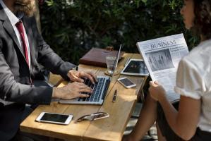 Ubiegaj się o kredyt za pośrednictwem doradców